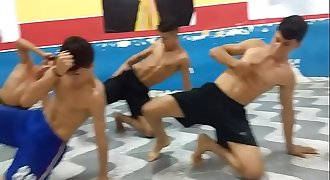 novinhos gostosos dançando anitta